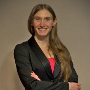 Portrait de Marie Claire, experte en cybersécurité et mentor Academos